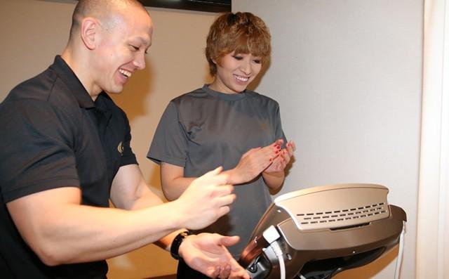 運命の測定……ACHOUさん、三井トレーナーから満面の笑顔が!