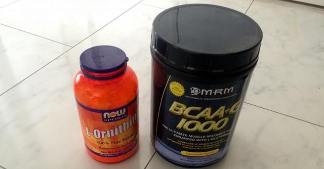 オルニチン(左)とBCAA。「運動前」、私はこのサプリメントを摂取しています