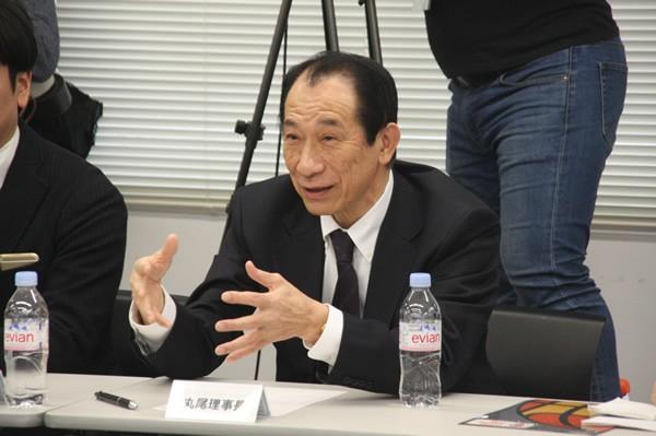 川淵チェアマンと意見交換するNBLの丸尾理事長