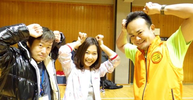ちなみにこれが「鬼ゴッター」のポーズらしい。主催石崎さん(左)と鬼ごっこ協会森下さん(右)