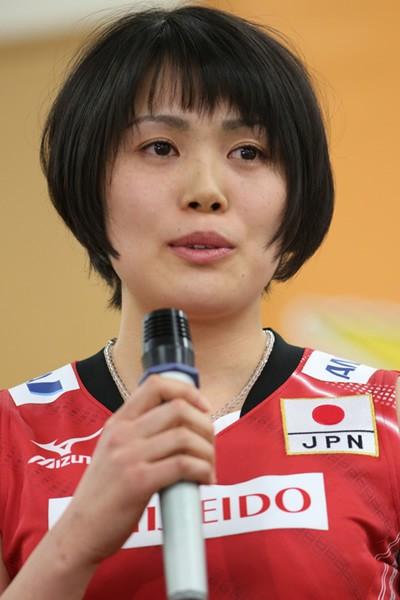 初選出の岩崎について、眞鍋監督はディフェンスの安定を評価している
