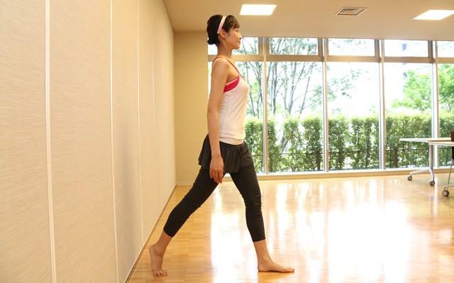 正しい姿勢・歩き方で痩せ体質に 美しいモデル体型維持の秘密