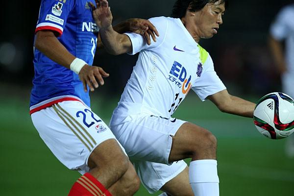横浜FM戦で7試合ぶりのゴール。相手がカバーに入る中、驚くべき反応でネットを揺らした