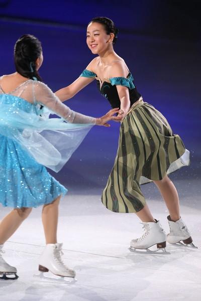 競技生活から離れた14−15シーズン、浅田はアイスショーなどに出演してきた