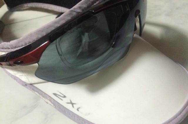 眼からの紫外線にも注意。愛用のサンバイザーとサングラスで日差しをガードしています