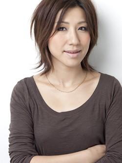 雑誌、広告、映像など幅広いジャンルで活動するヘアーメイクアップアーティストの長井かおりさん