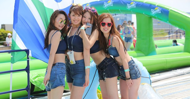 夏フェス、夏イベント、なに着ていく!? マネしたいTシャツアレンジ&おそろい着