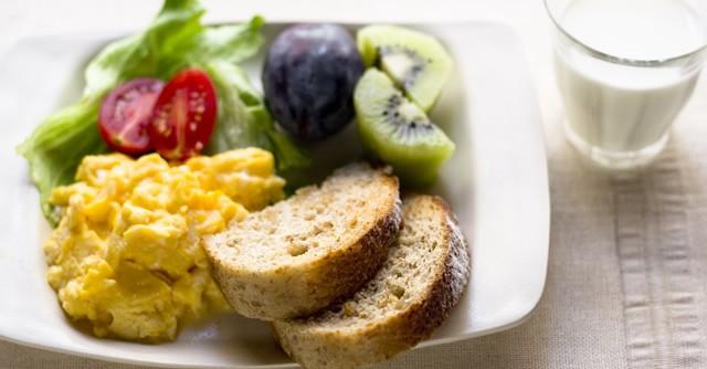 「朝ごはん習慣」が体に良い理由 管理栄養士おすすめ!コンビニ飯の選び方