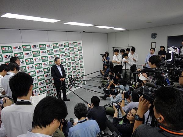 川淵会長は短期間での改革が軌道に乗ったことに対して「バスケットボール関係者もやればできる」と満足感を示した