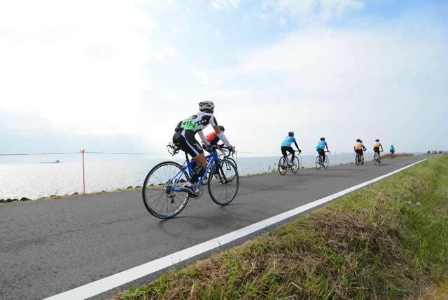 日本百景・霞ヶ浦で耐久レース 秋の収穫サイクリングも同時開催
