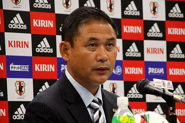 東アジアカップに出場する日本女子代表のメンバーを発表した佐々木監督