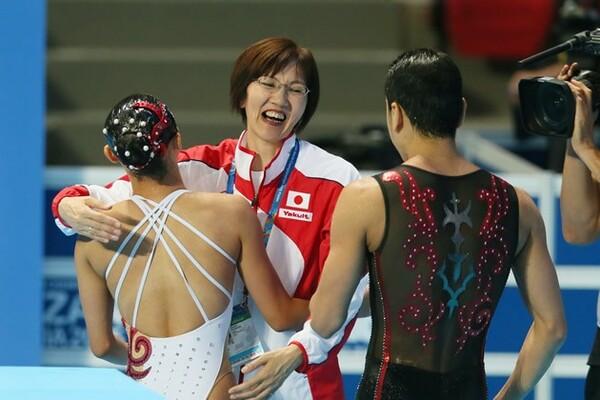 花牟礼コーチ(中央)の指導の下、安部・足立組はペア結成からたった5カ月で世界の舞台に立った