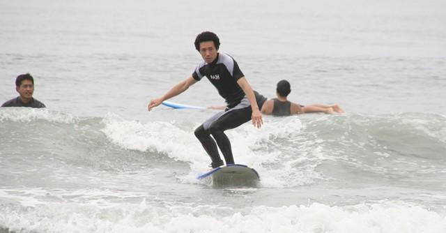 しみったれた心境の中年にもつかの間の夢見心地を与えてくれる、それがサーフィン