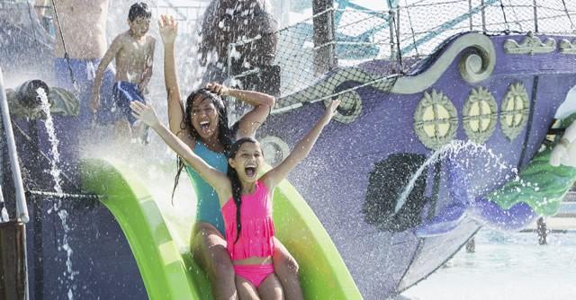遊びに行きたい都内のプールまとめ! スライダー、ホテルプール、公共施設