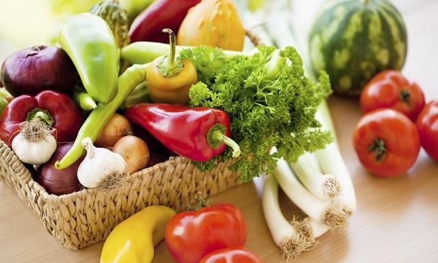 夏野菜で体づくり&疲労回復 管理栄養士おすすめ!コンビニ飯の選び方