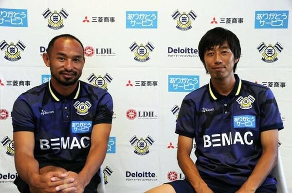 この夏、今治に加入した2人の元日本代表、山田卓也(左)と市川大祐。彼らは地域リーグでの戦いをどう見ているのか