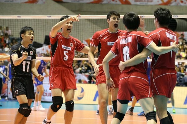 W杯の最終戦で、強豪ロシアを相手に勝利まであと一歩と迫るもフルセット負けを喫した全日本男子。5勝6敗の6位で大会を終えた