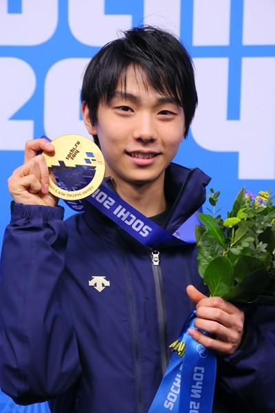 ソチ五輪で金メダリストになった羽生。都築コーチは「先生もこのメダルを取りたかったんだよ」と言ったという