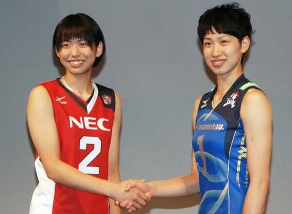 17日にV・プレミアリーグ女子が開幕。全日本でも活躍した古賀紗理那(左)が実質1年目のシーズンに臨む