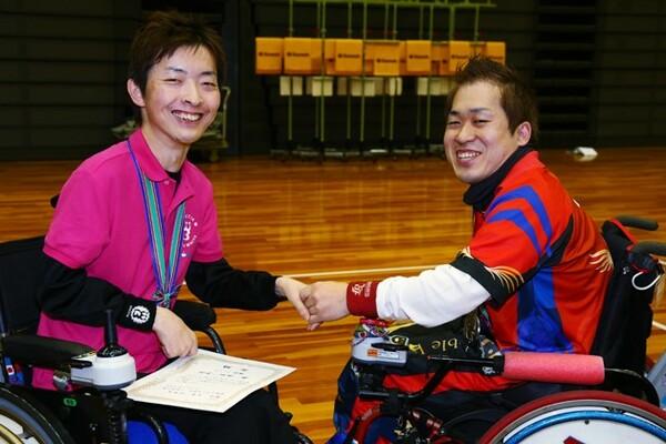 日本代表のキャプテンである杉村(左)とはライバル関係。年末の日本選手権でも決勝で接戦を繰り広げるなど、お互いに高め合う存在として意識する