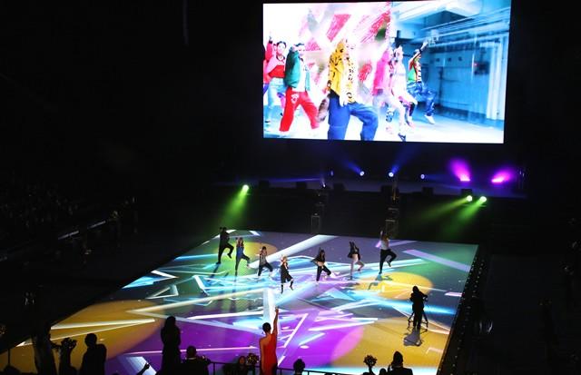 1月13日発売の新曲「FUTURE LOVER-未来恋人-」はランニングにもピッタリ、アンダーアマーのパーティーでも大いに会場を盛り上げた