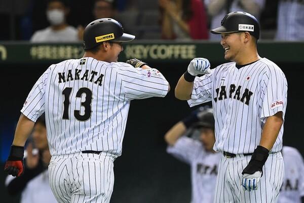 日本の4番としての活躍が期待される中田(背番号13)と筒香