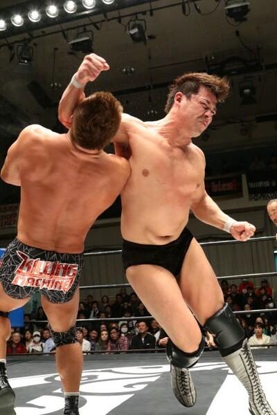 丸藤とタッグを組んだ潮崎が王者・杉浦を倒しGHC挑戦をアピール