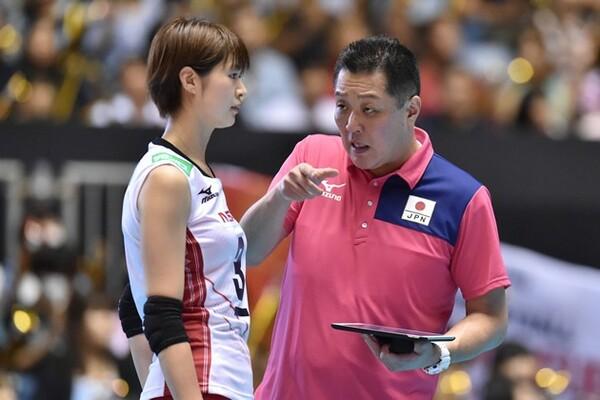 アナリストはどのように試合を見ているのか。全日本女子チーフアナリストの渡辺啓太氏に話を聞いた