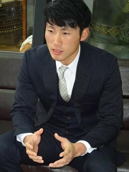 神田は群馬大準硬式野球部からテスト入団し、育成選手として巨人で2年間のプロ生活を送った。現在は沼田高校定時制の教員とともに、沼田高野球部のコーチを務めている