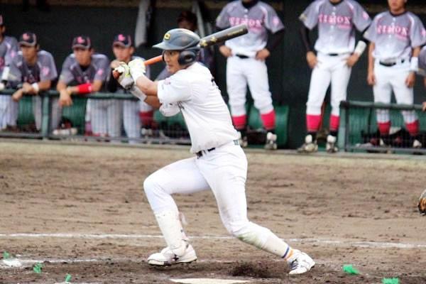 打撃が課題と言われていたが、今春のリーグ戦では打率4割9分で2度目の首位打者を獲得した