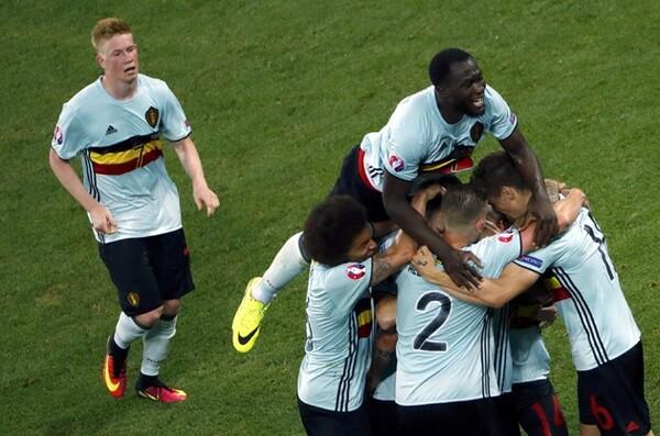 ベルギーはグループステージ第3戦でスウェーデンに勝利し、2位通過