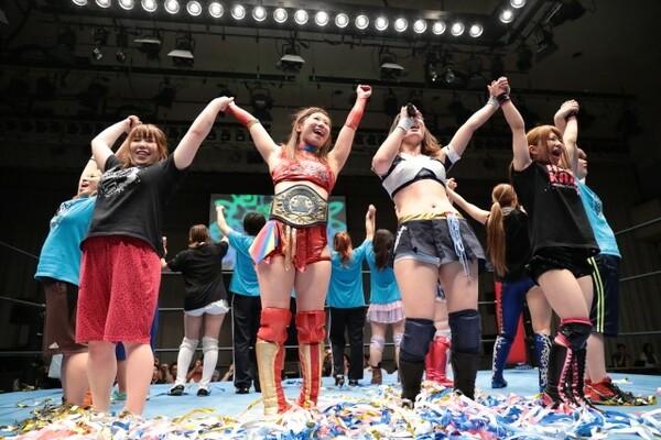 試合後は全選手がリングに上がり、「プロレスでハッピー アイスリボン!」で大会を閉めた