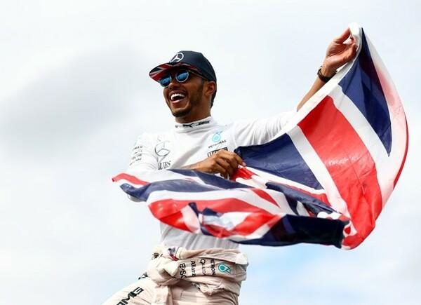 イギリスGPで優勝し、首位ロズベルグへ1ポイント差に迫ったハミルトン