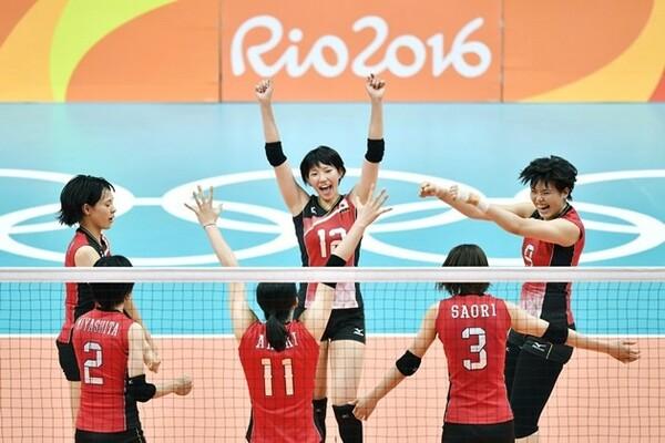 日本はアルゼンチンをストレートで下し、決勝トーナメント進出を決めた
