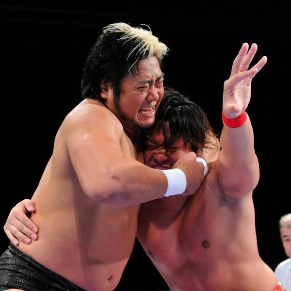 王道トーナメント1回戦、諏訪魔が現三冠王者・宮原を下し2回戦へ