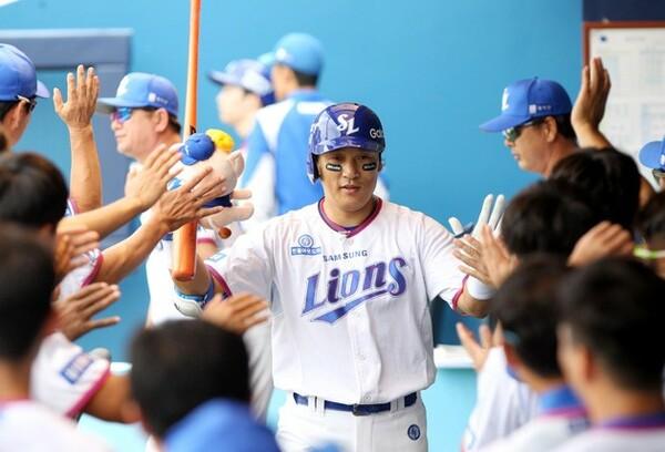 日韓通算で600本目の本塁打は今季25号。40歳の今季もチームの主軸として活躍している