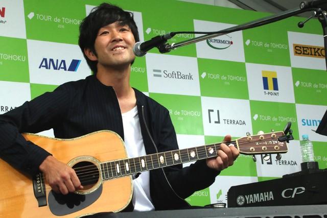 イベントステージでは藤巻亮太さんのスペシャルライブも