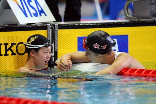 2008年日本選手権、北京五輪出場を決めた当時17歳の星(左)と先輩の中西悠子