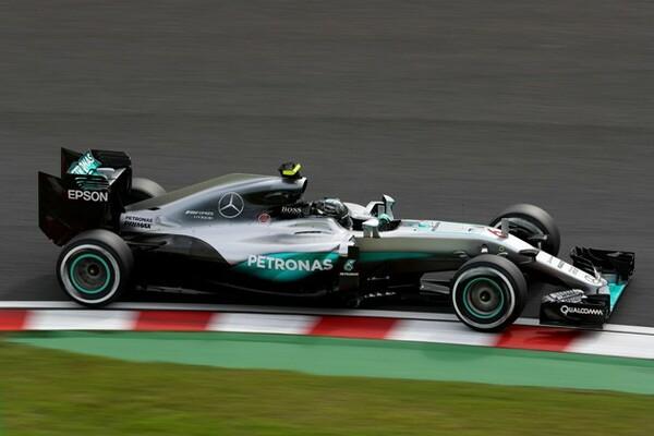 F1の日本GPが開幕し、フリー走行1回目、2回目ともニコ・ロズベルグがトップタイムをたたき出した