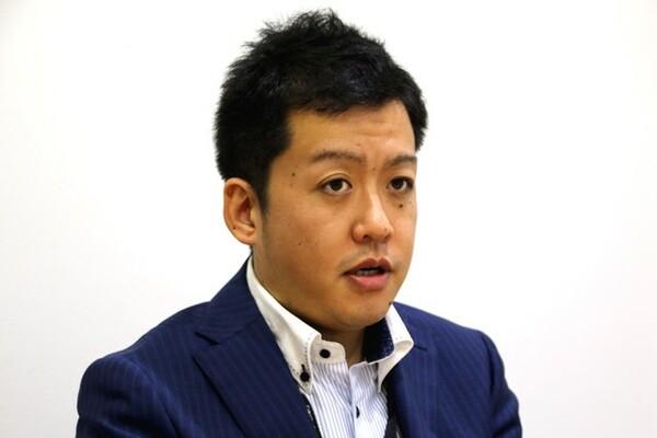 新日本プロレスのプロモーションなどにも関わっていた花澤社長。「まずはパッケージを作る」と戦略を立てる