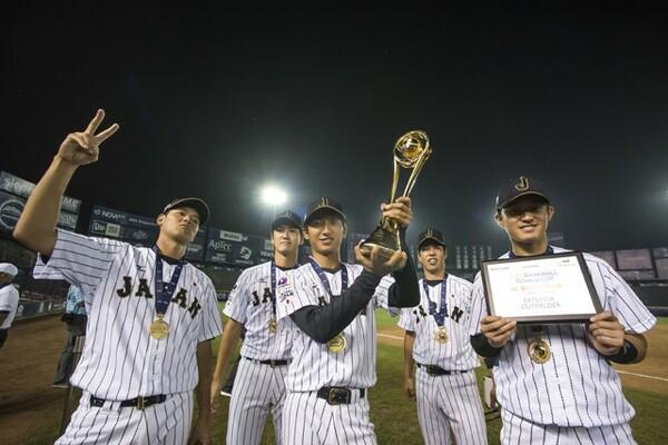 U−23W杯の初代王者に輝き、喜ぶ日本の選手