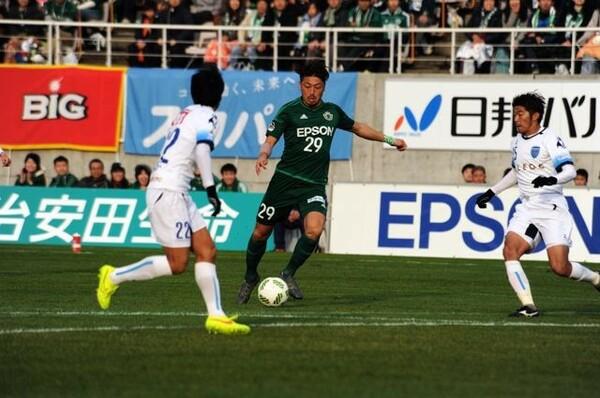今季の松本の躍進を支えた、チーム得点王の高崎寛之。ゴールを決めても淡々としているのが特徴