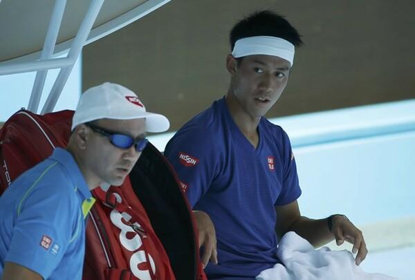 錦織に、「足りない何か」を教えたチャンコーチ(左)。写真は2016年全豪練習時のもの