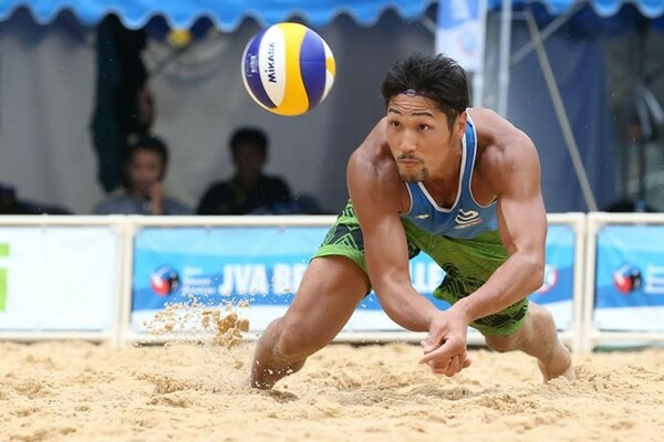 石島はすでにビーチバレーの大会を経験している。インドアとは別物だと語った(写真は2014年のもの)