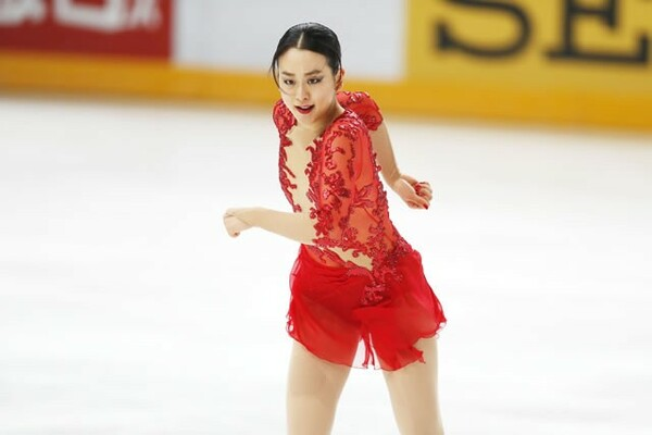 涙に暮れたGPシリーズ、全日本は12位。しかし、戦い続ける彼女はもう、下を向いてなどいなかった。写真は11月フランス杯