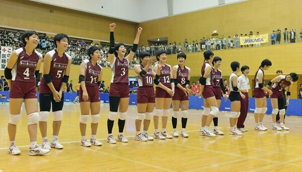 前回優勝の下北沢成徳は夏のインターハイを制覇。今大会も優勝候補だ