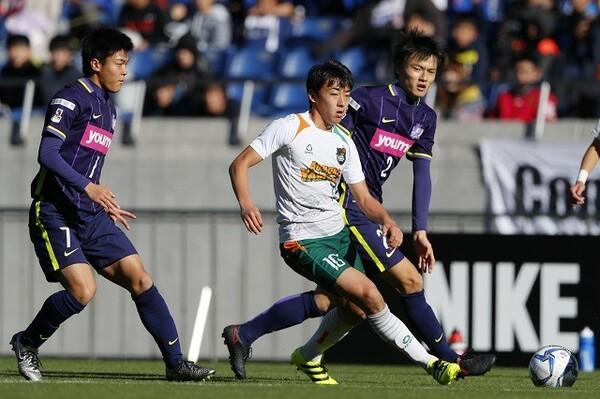 """今季のプレミアリーグを制した青森山田だが、リーグが始まった当初は""""降格候補""""だった"""