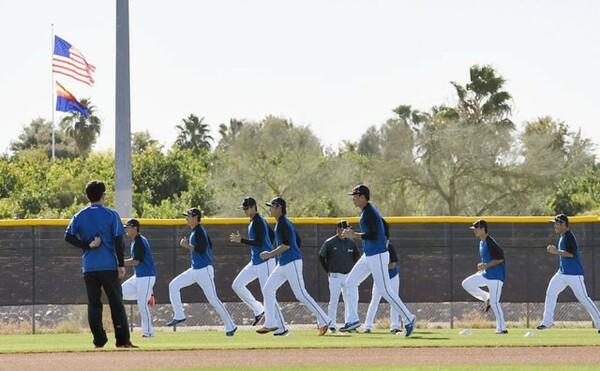 今年もアリゾナで1軍キャンプを行う日本ハム。江尻氏はメリットとして「野球だけではなく人間力も鍛えられる」と語る