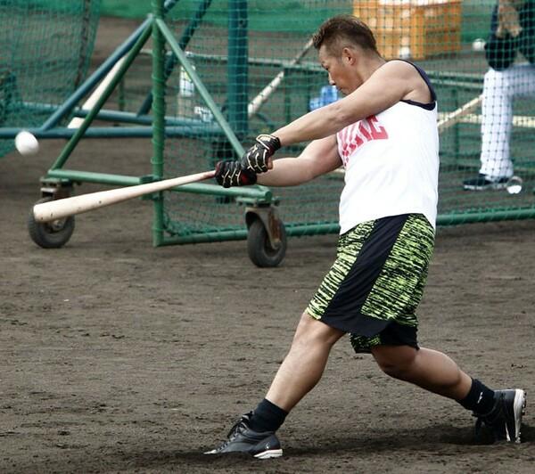2連覇を狙う日本ハム、世界一奪還を目指すWBC侍ジャパン代表の4番として期待がかかる中田はファームの国頭キャンプに参加