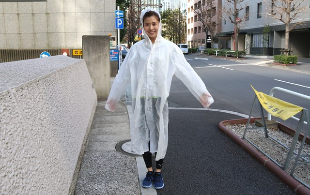 防寒着の秘密兵器はビニール製の雨がっぱ!